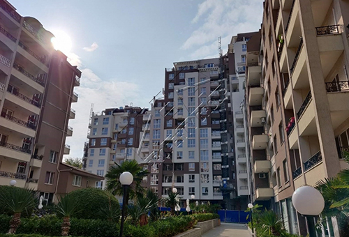 Двустайни апартаменти в Бургас в затворен комплекс Перла Бургас